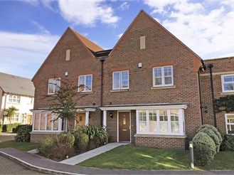 4 bedroom terraced house in Halnaker, Chichester