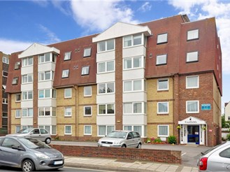 2 bedroom third floor retirement flat in Southsea