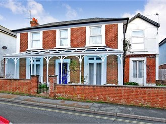 4 bed character property in Sandown