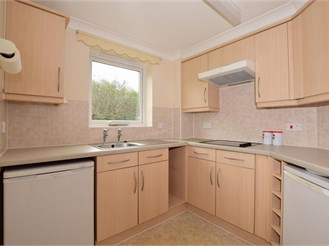 1 bedroom ground floor retirement flat in Redhill