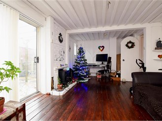 3 bedroom end of terrace house in Brighton