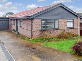 4 bed detached bungalow in Peacehaven