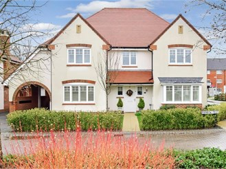 5 bedroom detached house in Faygate, Horsham
