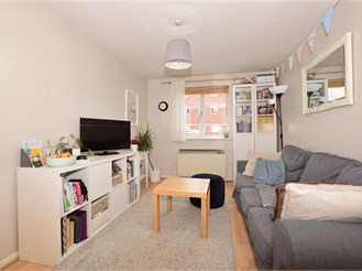 1 bedroom ground floor apartment in Wallington