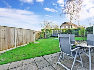 4 bedroom detached house in Horsham
