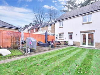 3 bed detached house in Ifield, Crawley