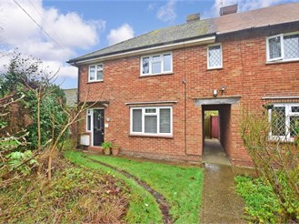 3 bedroom semi-detached house in Dormansland, Lingfield