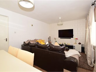 2 bed first floor flat in Croydon
