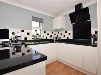 1 bedroom top floor apartment in Wallington