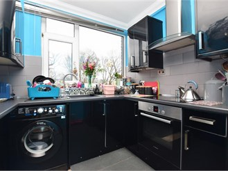 2 bedroom top floor maisonette in Cranleigh