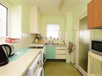 2 bed fourth floor flat in Hove