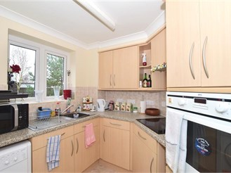 1 bed first floor apartment in Horsham