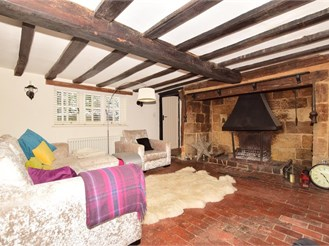 4 bed character property in West Hoathly