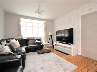 5 bedroom detached house in Patcham, Brighton