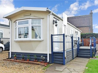 1 bed park home in Emsworth