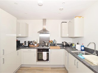 1 bed first floor flat in West Green, Crawley