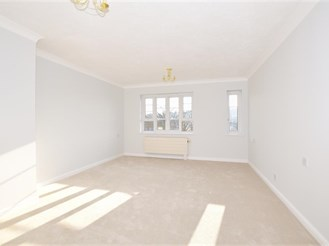2 bed second floor retirement flat in Purley