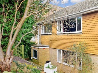 3 bedroom semi-detached house in Brighton