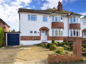 3 bedroom semi-detached house in Fetcham, Leatherhead