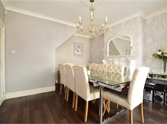 4 bed semi-detached house in Sidcup