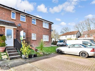 2 bed terraced house in Capel, Dorking