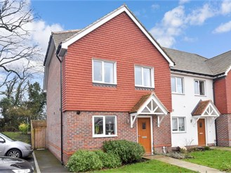 3 bedroom end of terrace house in Thakeham