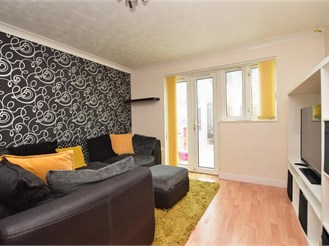2 bed terraced house in Cottesmore Green, Crawley