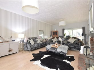 5 bed detached house in Hayling Island