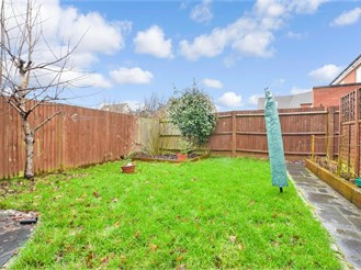 4 bed semi-detached house in The Acres, Horley