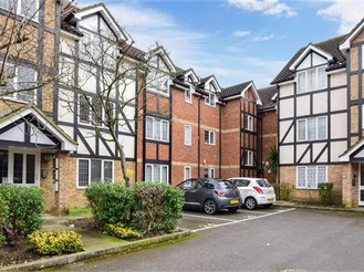 2 bed first floor flat in Mitcham