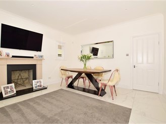 2 bed ground floor apartment in Purley
