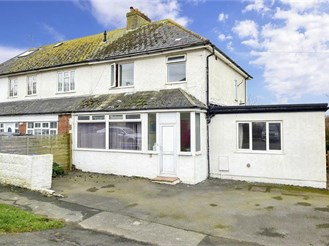 4 bedroom end of terrace house in Telscombe Cliffs