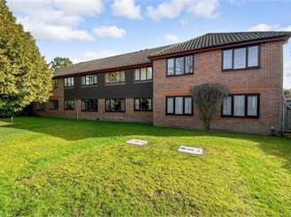 2 bed first floor maisonette in Southgate, Crawley