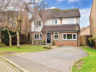 4 bedroom detached house in Maidenbower, Crawley