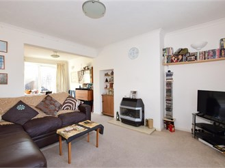 2 bed end of terrace house in Three Bridges, Crawley