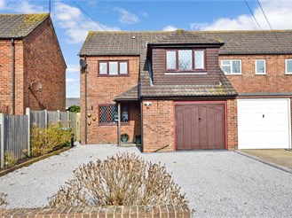 4 bed semi-detached house in Yapton, Arundel