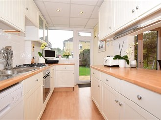 4 bed terraced house in Shirley, Croydon