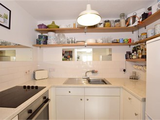 1 bed first floor retirement flat in Chichester
