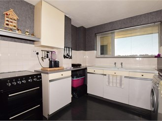 2 bed ground floor apartment in Shirley