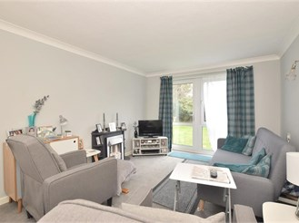 1 bed ground floor apartment in Worthing