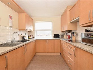 2 bed first floor apartment in Portsmouth