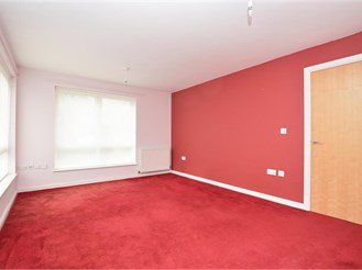 2 bed ground floor apartment in Crawley