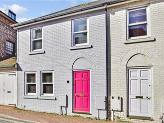 3 bed end of terrace house in Lewes