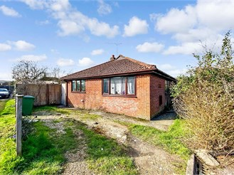 4 bed detached bungalow in East Meon