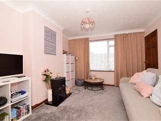3 bed terraced house in Crawley