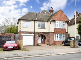 4 bed detached house in Southborough, Tunbridge Wells