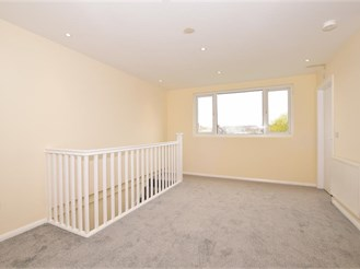 4 bed end of terrace house in Addiscombe, Croydon