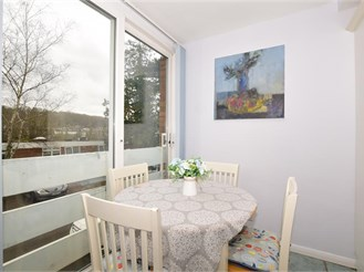 2 bed ground floor flat in Purley
