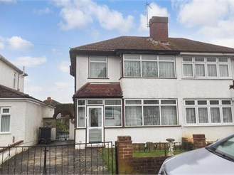 3 bed semi-detached house in Old Coulsdon