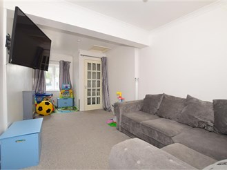 2 bed top floor maisonette in Staplehurst